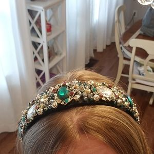 Headband with sparkly crystals